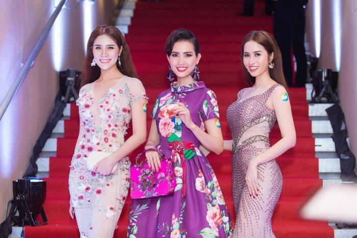 A hau Hoang Hanh tu tin do ve goi cam voi Phan Thi Mo, Nguyen Thi Thanh hinh anh 9