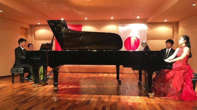 Tai nang piano Nguyen Ba Tan giao luu cung dan nghe si Nhat Ban hinh anh 1