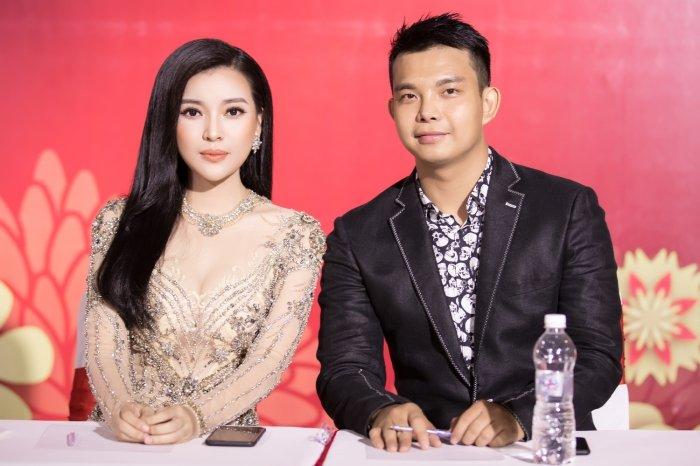 Thanh Truc, Cao Thai Ha do ve goi cam voi vay xuyen thau hinh anh 2