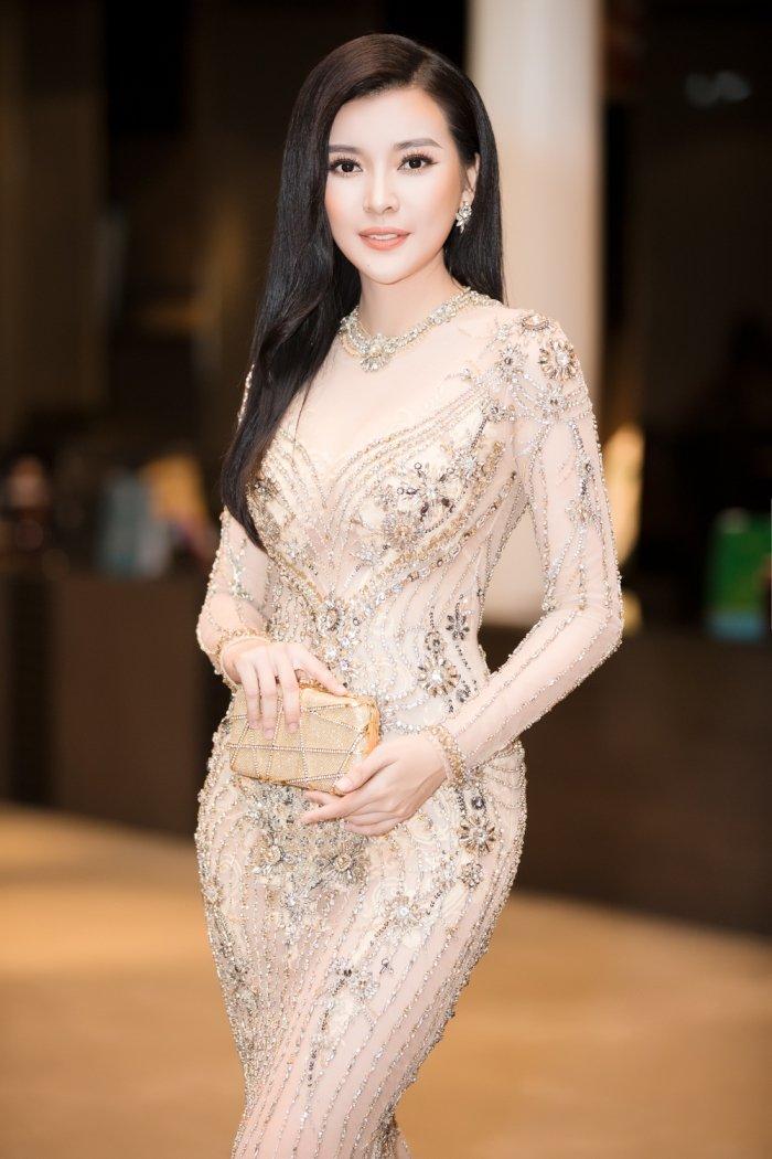 Thanh Truc, Cao Thai Ha do ve goi cam voi vay xuyen thau hinh anh 5