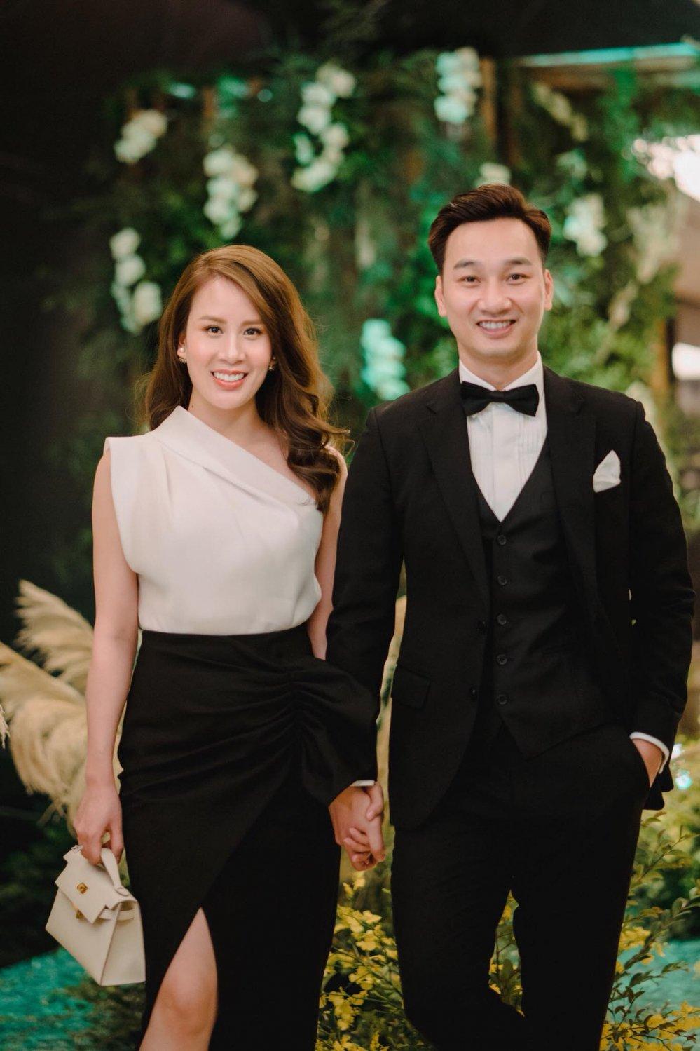 MC Thanh Trungmong moi co con voi vo tiep vien hang khong xinh dep hinh anh 2