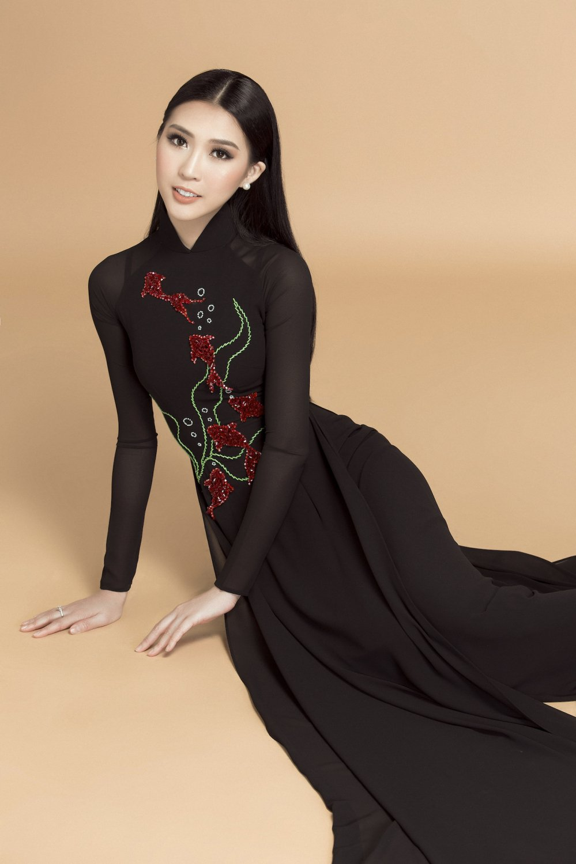 Hoa hau Tuong Linh danh tron ngay Tet ben gia dinh hinh anh 6