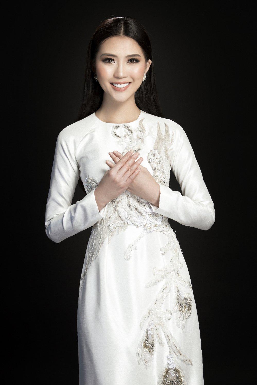 Hoa hau Tuong Linh danh tron ngay Tet ben gia dinh hinh anh 7