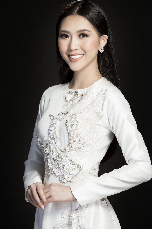 Hoa hau Tuong Linh danh tron ngay Tet ben gia dinh hinh anh 8