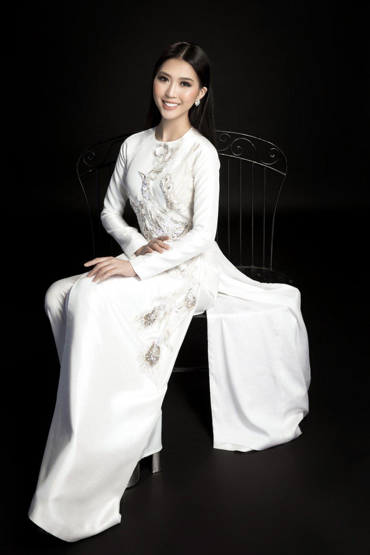 Hoa hau Tuong Linh danh tron ngay Tet ben gia dinh hinh anh 10