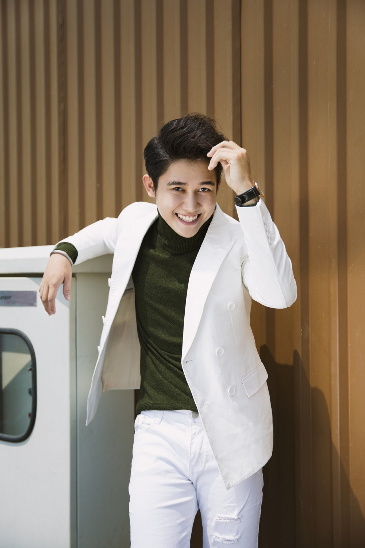 MC Truong Quoc Bao: 'Chay show ca nam, chi co Tet la duoc quay quan ben gia dinh' hinh anh 1