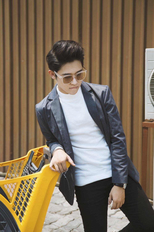 MC Truong Quoc Bao: 'Chay show ca nam, chi co Tet la duoc quay quan ben gia dinh' hinh anh 2