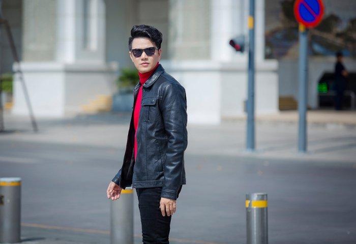 MC Vu Manh Cuong tre trung, lich lam xuong pho ngay dau nam hinh anh 8