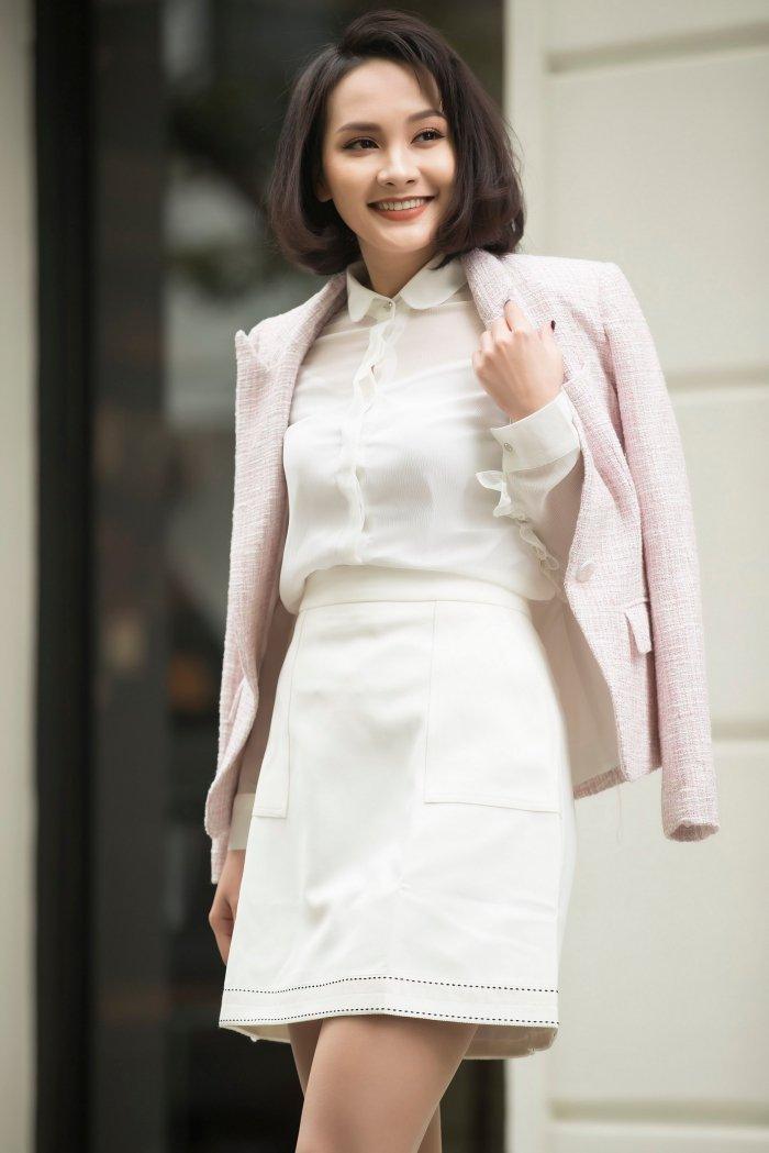 'Nang dau' Bao Thanh tu tin dien dam om body khoe voc dang nuot na hinh anh 1