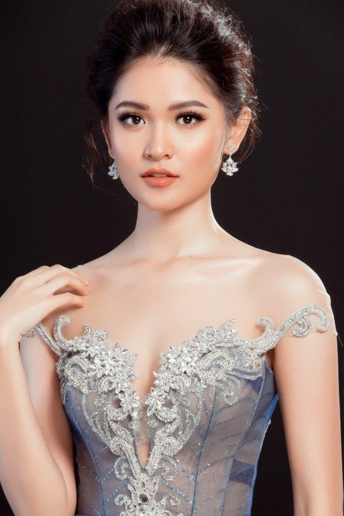 Loat sao Viet nhan nhu gi Huong Giang truoc dem chung ket Hoa hau Chuyen gioi? hinh anh 9