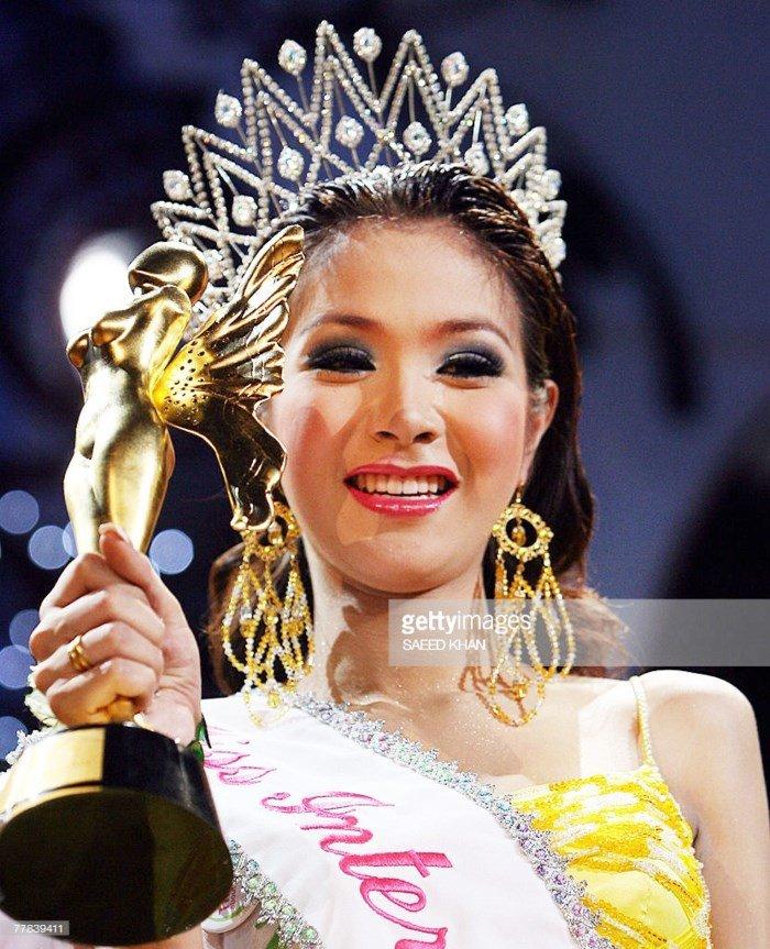 'So gang' nhan sac Huong Giang voi 12 cuu Hoa hau Chuyen gioi Quoc te hinh anh 7
