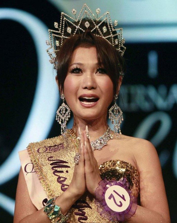 'So gang' nhan sac Huong Giang voi 12 cuu Hoa hau Chuyen gioi Quoc te hinh anh 9