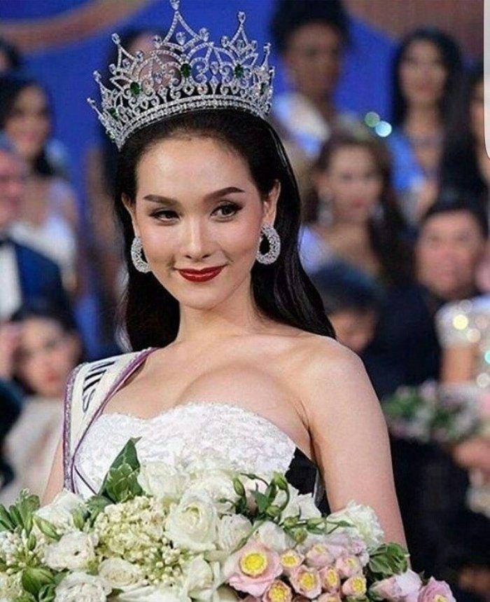 'So gang' nhan sac Huong Giang voi 12 cuu Hoa hau Chuyen gioi Quoc te hinh anh 23