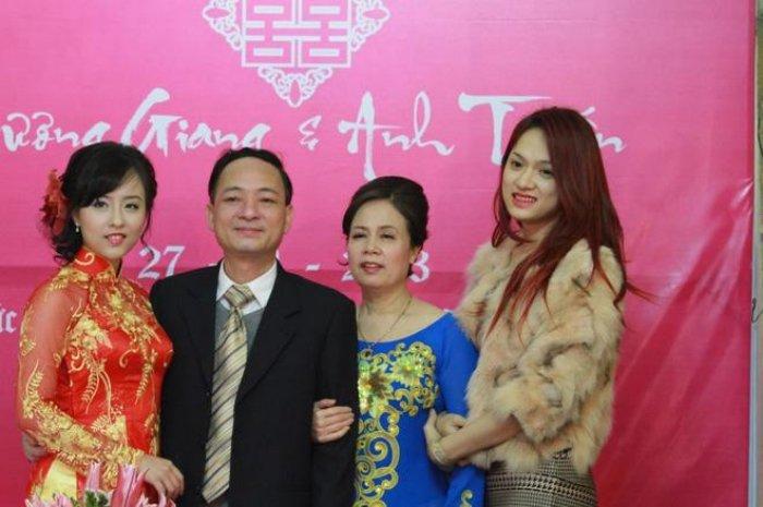 It ai biet, Hoa hau Huong Giang con co chi gai ruot xinh dep chang kem canh hinh anh 4