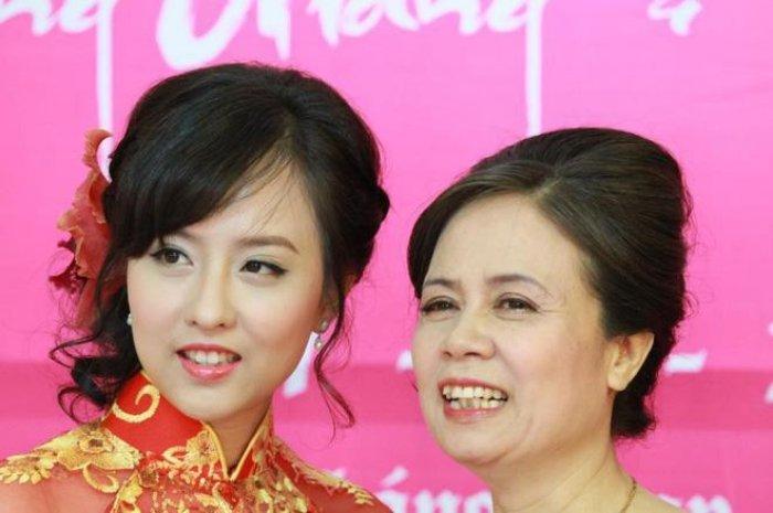 It ai biet, Hoa hau Huong Giang con co chi gai ruot xinh dep chang kem canh hinh anh 6