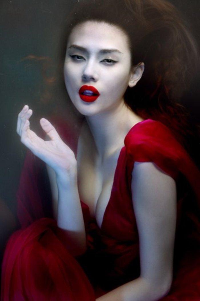 Vo Hoang Yen khong chi dep ma con so huu than thai cuc ky xuat sac hinh anh 3