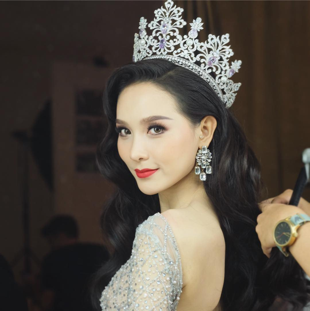 'So gang' nhan sac Huong Giang voi 12 cuu Hoa hau Chuyen gioi Quoc te hinh anh 24