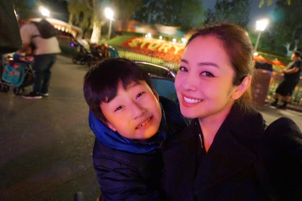 Vo chong Jennifer Pham tranh thu dua Bao Nam di choi tai My hinh anh 6