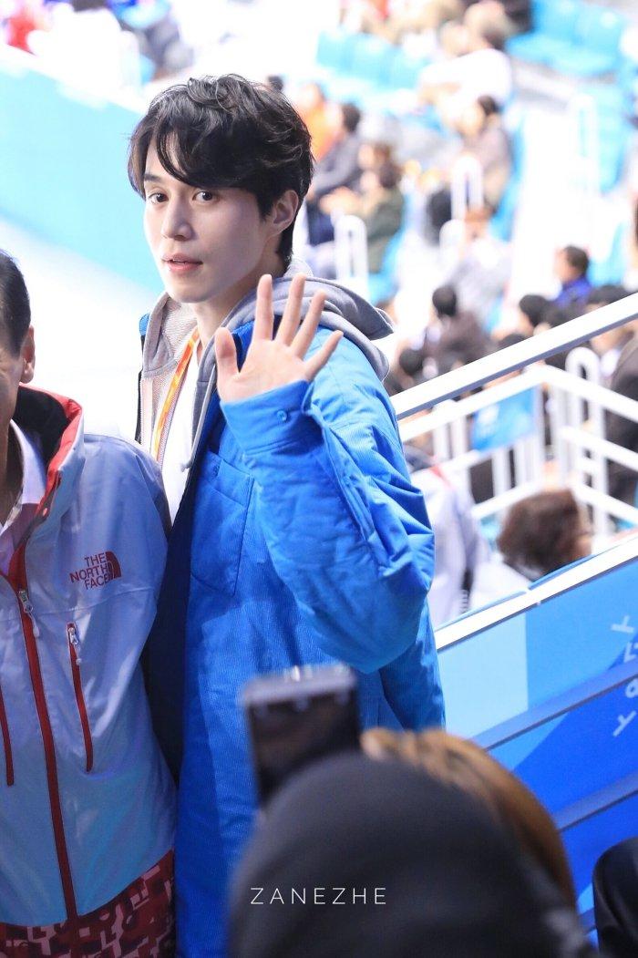 Van Mai Huong - Binh An tay trong tay den gap 'than chet' Lee Dong Wook hinh anh 10