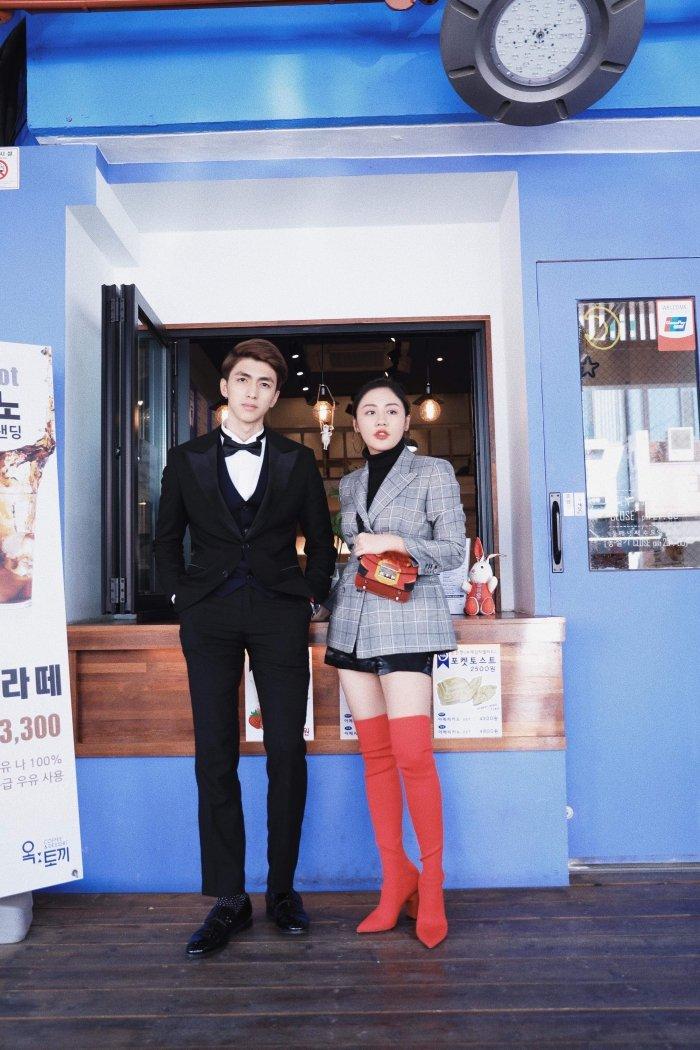 Van Mai Huong - Binh An tay trong tay den gap 'than chet' Lee Dong Wook hinh anh 3