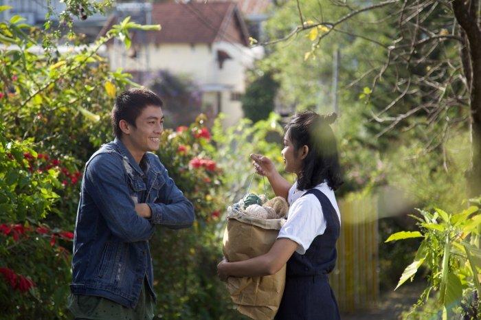 Hai dien vien 'Thang nam ruc ro' hoa cap doi mo mong trong MV moi cua My Linh hinh anh 2