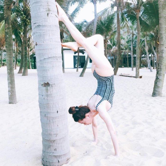 Dang anh bikini nong bong, Ho Ngoc Ha thua nhan 'song ao' hinh anh 4
