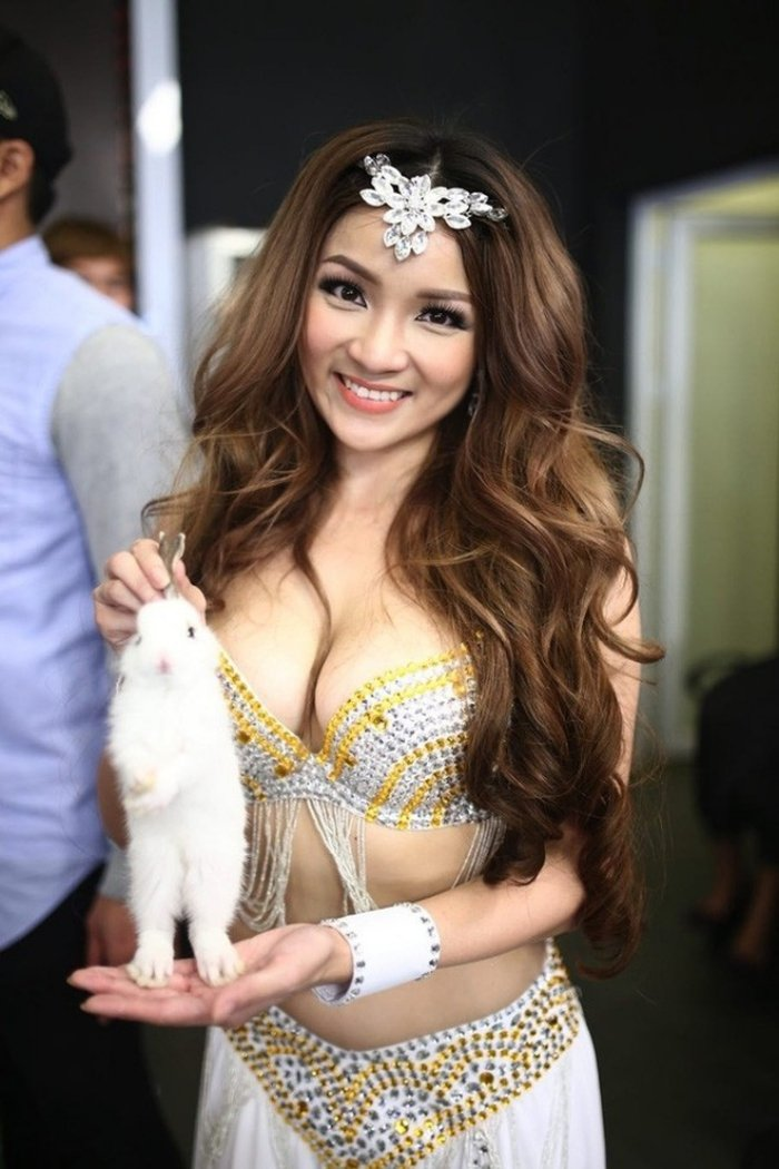 'Cuoc chien' khoc liet cua dan my nhan Viet tren duong dua nhan sac dat chuan sexy hinh anh 1