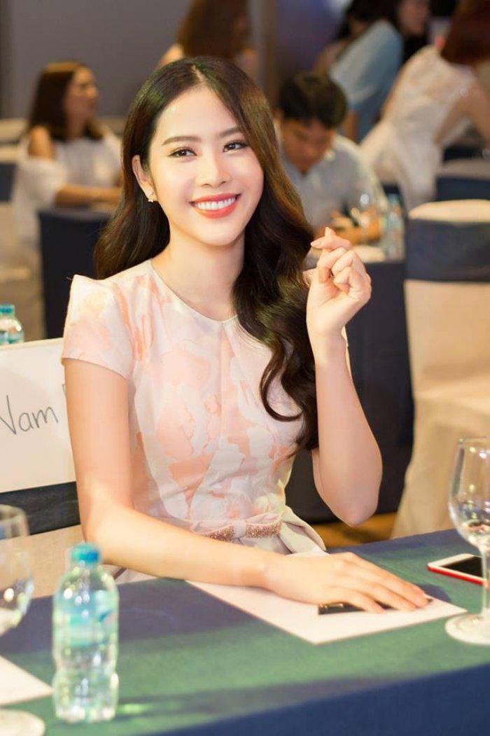 Angela Phuong Trinh - Ky Duyen - Nam Em: 3 my nhan Viet vuong nghi van tham my hinh anh 28