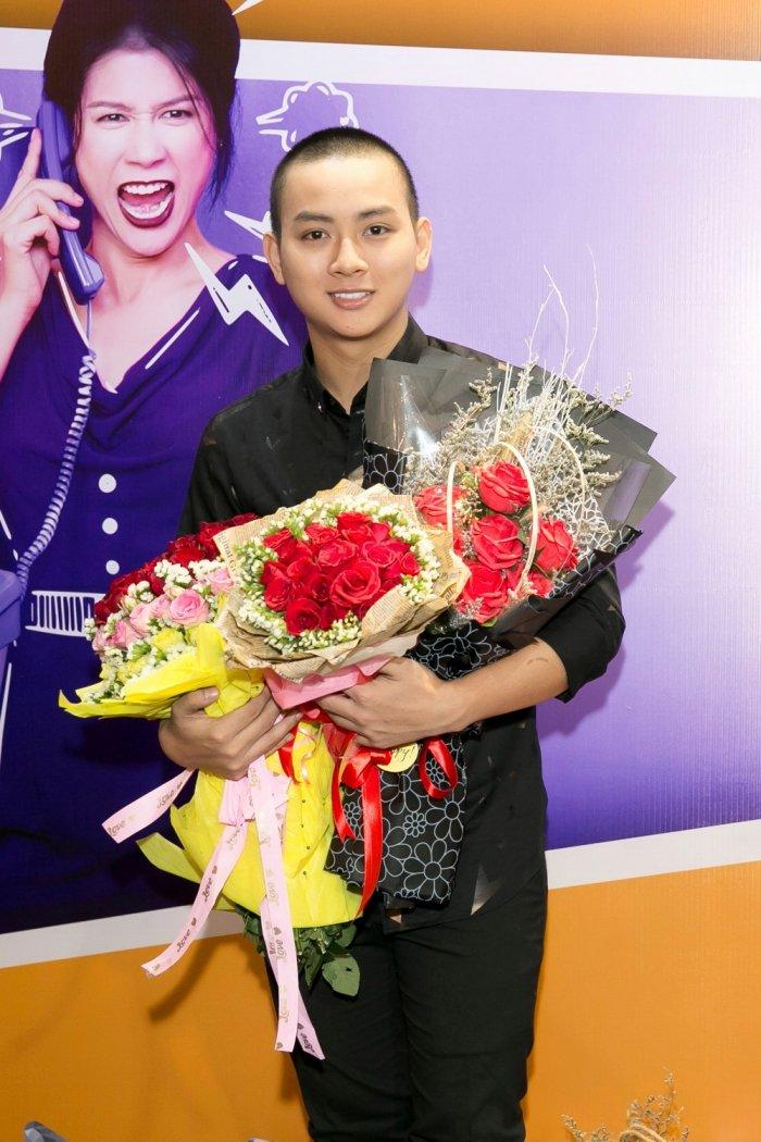 Binh An, Hoai Lam, Ali Hoang Duong do ve dien trai trong su kien hinh anh 1