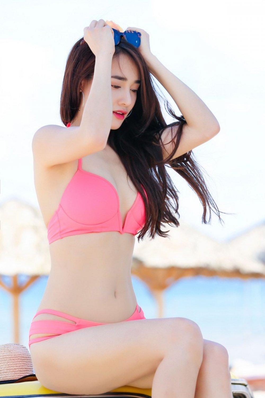 Do anh bikini nong bong cua Nha Phuong, Nam Em va Que Van hinh anh 4