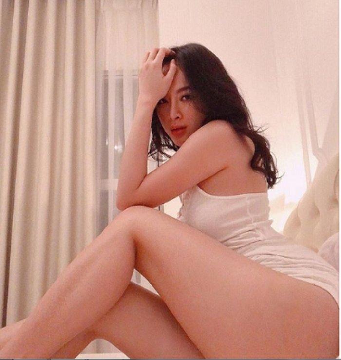 Loat anh khoe vong 3 gay tranh cai du doi cua Angela Phuong Trinh hinh anh 12