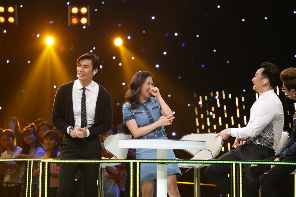 Phan ung bat ngo cua Van Mai Huong khi duoc Nhan Phuc Vinh to tinh hinh anh 6