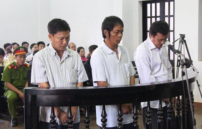 Nguyen Pho chanh thanh tra so Giao thong van tai nhan hoi lo: Luat su noi gi? hinh anh 1