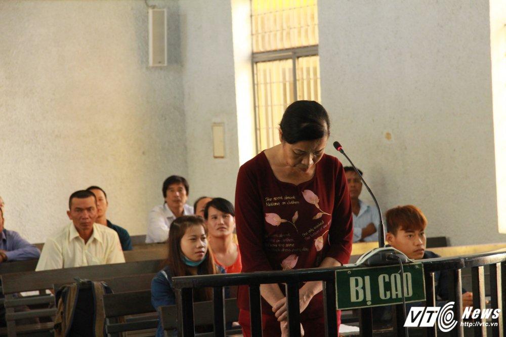 Nguyen Pho Chanh an nhan tien hoi lo: Chi dao soan 2 ban an khac nhau cho bi cao hinh anh 1