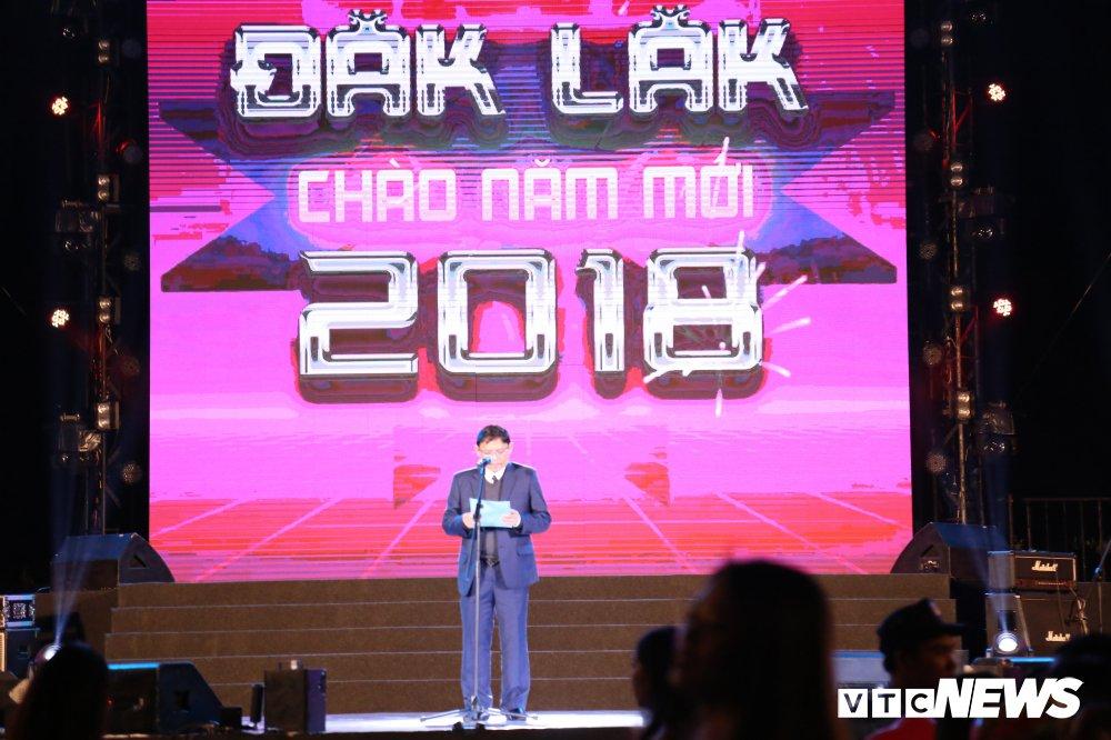 Video & Anh: Bien nguoi Tay Nguyen don mung nam moi 2018 hinh anh 5