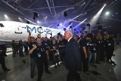 'Soi' may bay moi cua Nga duoc xem la doi thu cua Airbus va Boeing hinh anh 1