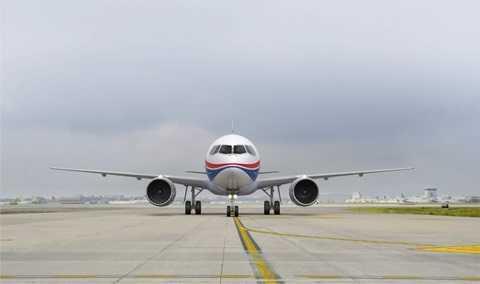 'Soi' may bay moi cua Nga duoc xem la doi thu cua Airbus va Boeing hinh anh 4