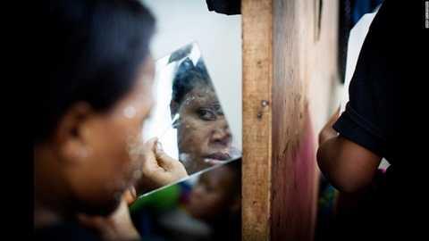 Giac mo tay trang da cua chi em Chau Phi va nhung tra gia dau long hinh anh 8