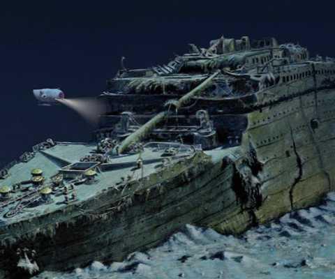 He lo muc gia dat do cua ve tham quan tau Titanic duoi dai duong hinh anh 1