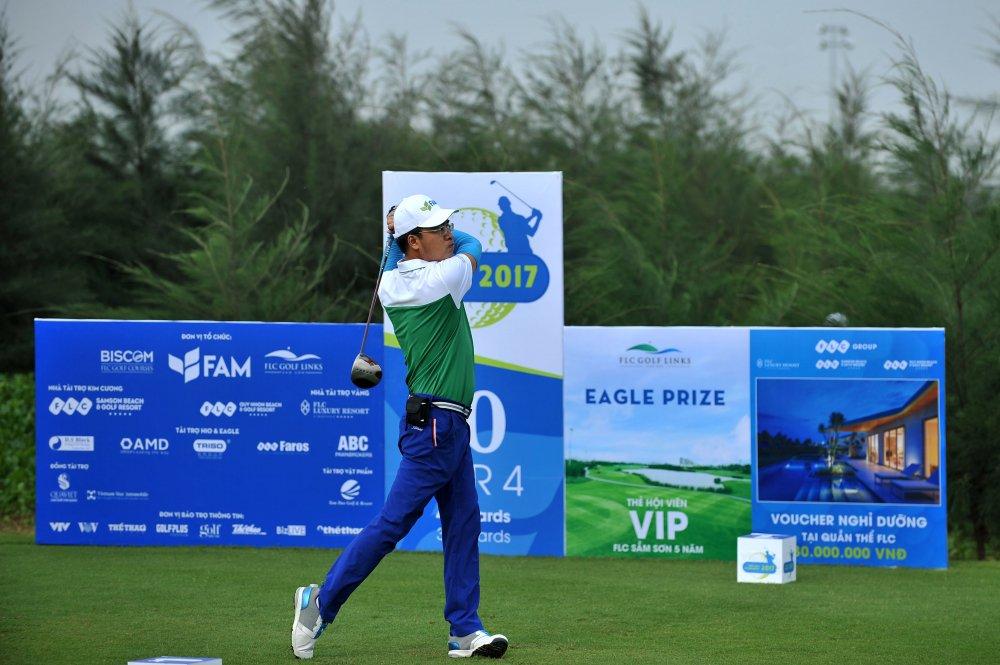 Chinh thuc khai mac giai Fam Golf Tournament 2017 voi gan 500 gon thu hinh anh 4