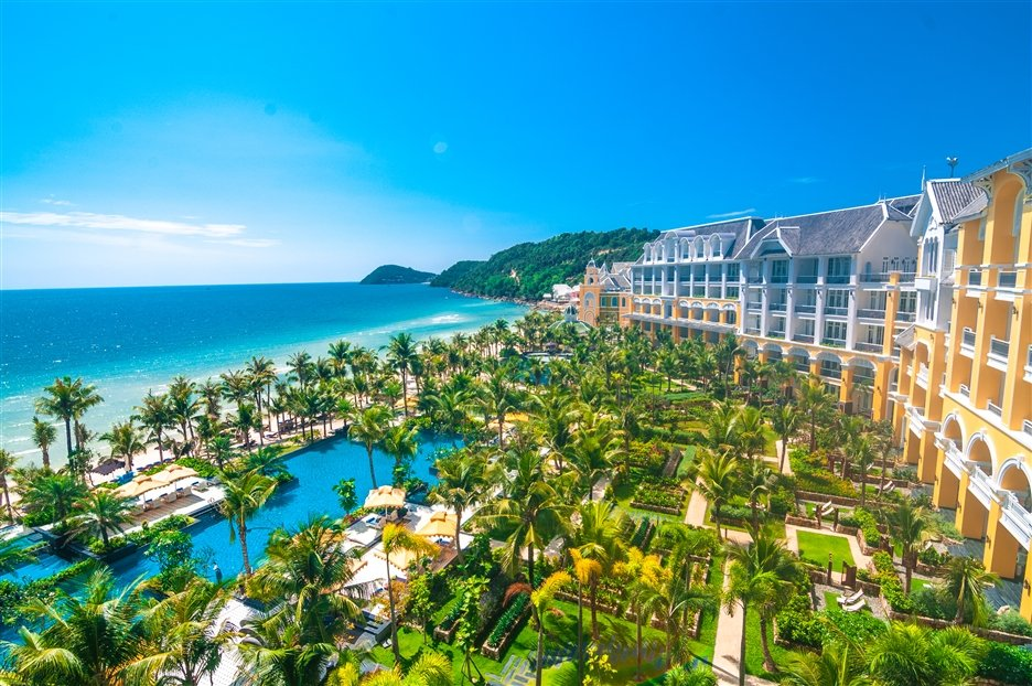 World Luxury Hotel Awards 2017 vinh danh JW Marriott Phu Quoc Emerald Bay hinh anh 1
