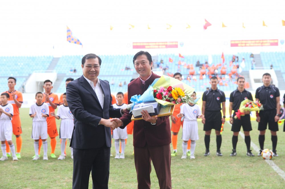 SHB Da Nang chia tay Le Huynh Duc, don tan HLV truong Nguyen Minh Phuong hinh anh 1