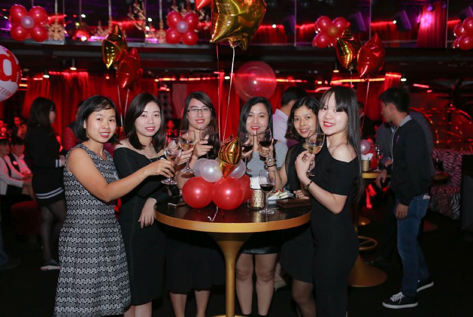Su Lua Chon Vang mo tiec tri an khach hang & ky niem 25 nam DKT International Inc tai Viet Nam hinh anh 5