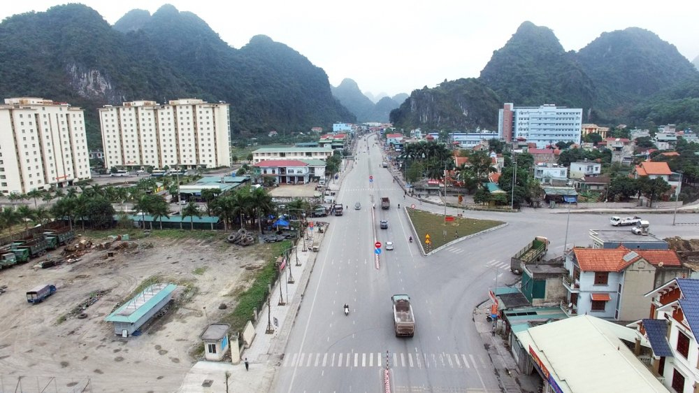 Cam Pha: Dien mao moi cho quoc lo 18 hinh anh 7