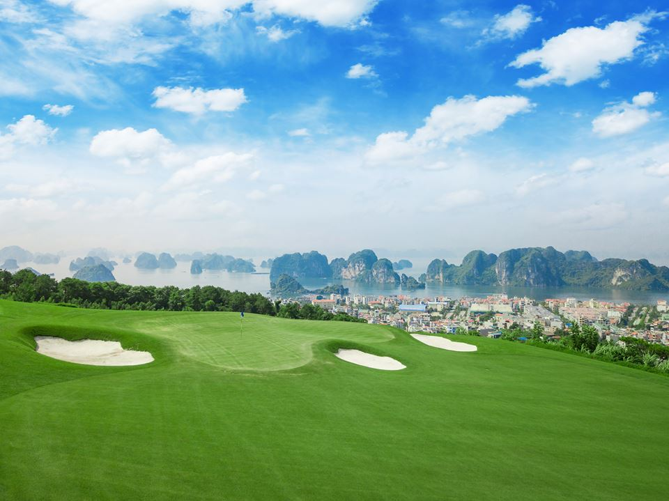 Golfer hao huc voi hang tram ty dong giai thuong tai FLC Faros Golf Tournament 2018 hinh anh 2