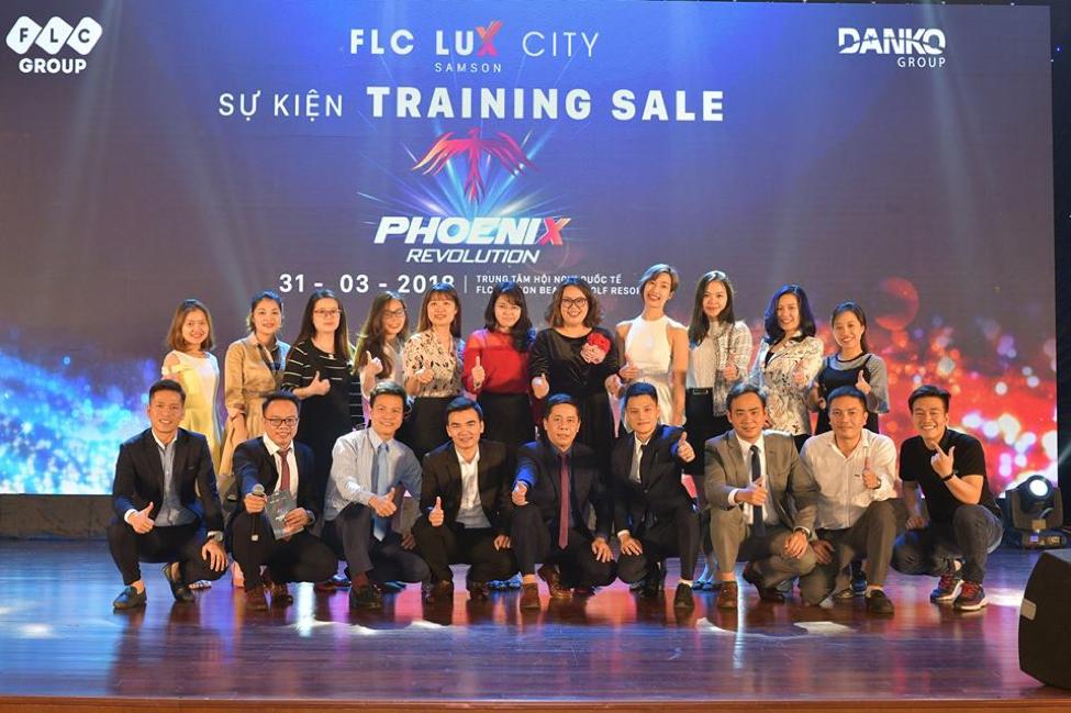 FLC Sam Son 'nong' cung su kien training Sale 'Phoenix Revolution' hinh anh 1