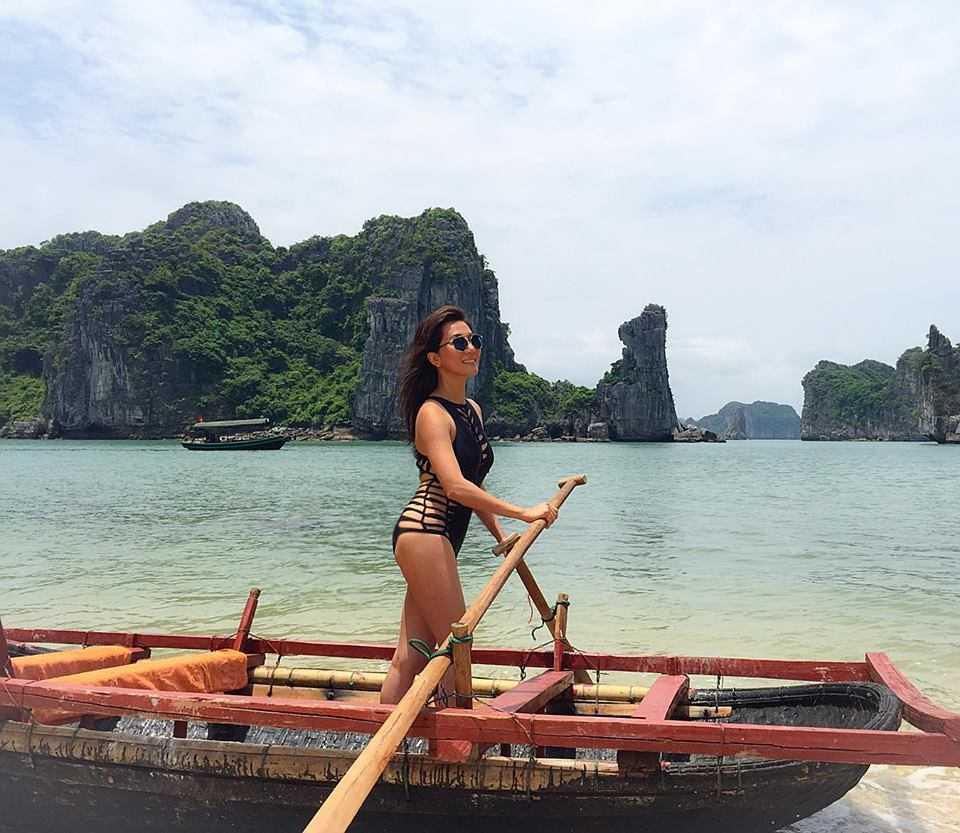 MC Nguyen Cao Ky Duyen mac bikini, khoe than hinh goi cam o tuoi 51 hinh anh 3