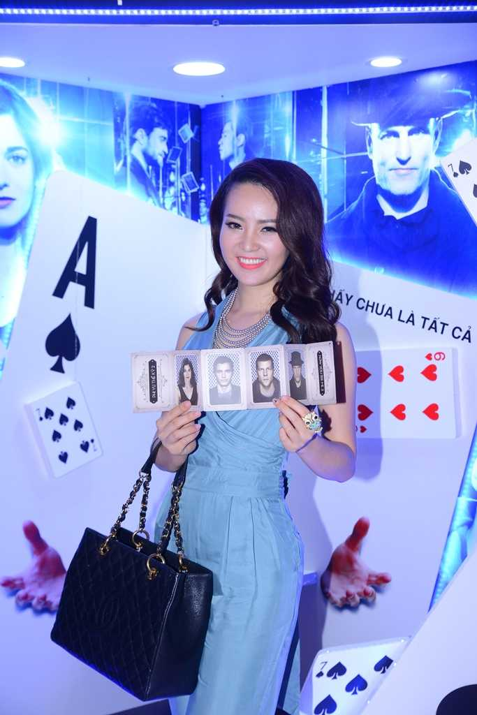 Hua Vi Van lich lam, hot girl Tram Anh eo thon quyen ru hinh anh 3