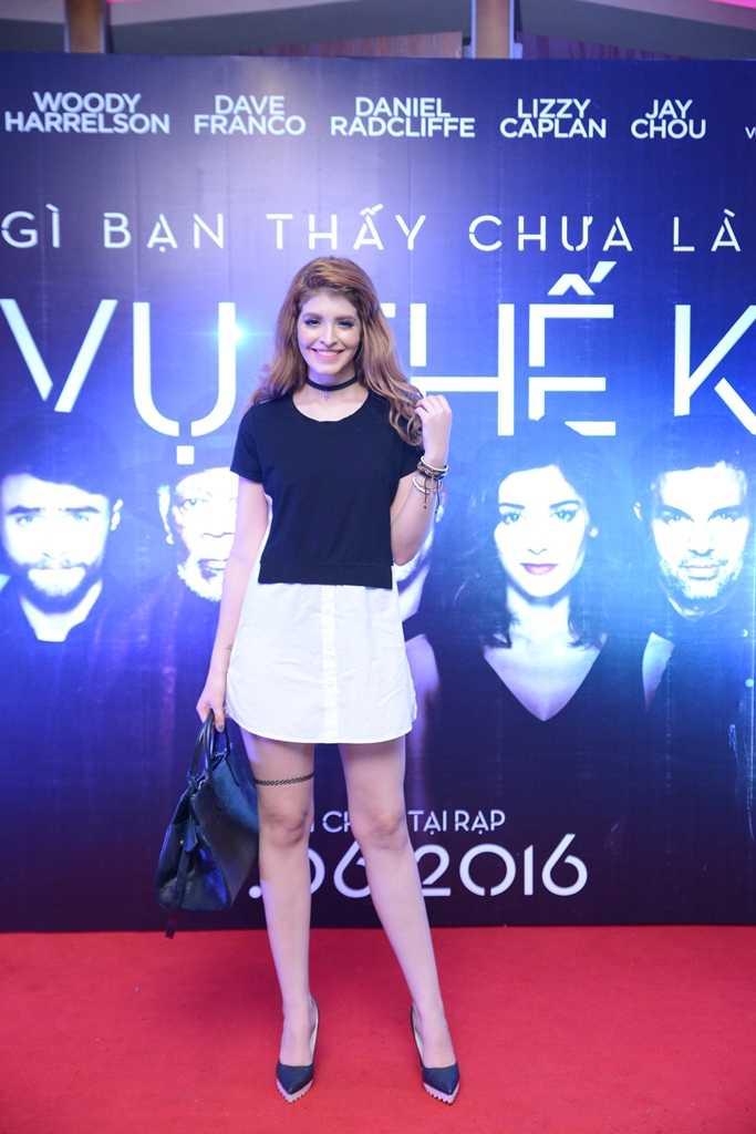 Hua Vi Van lich lam, hot girl Tram Anh eo thon quyen ru hinh anh 7
