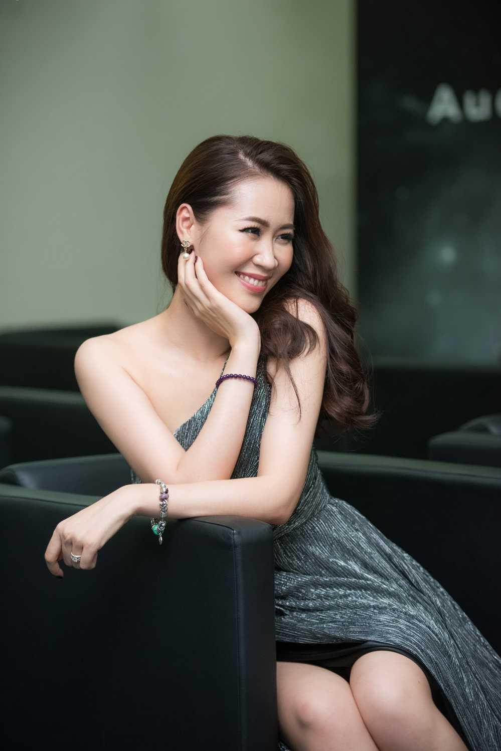 Dan my nhan Dang Thu Thao, Thuy Tien, Thanh Hang do ve quyen ru hinh anh 7